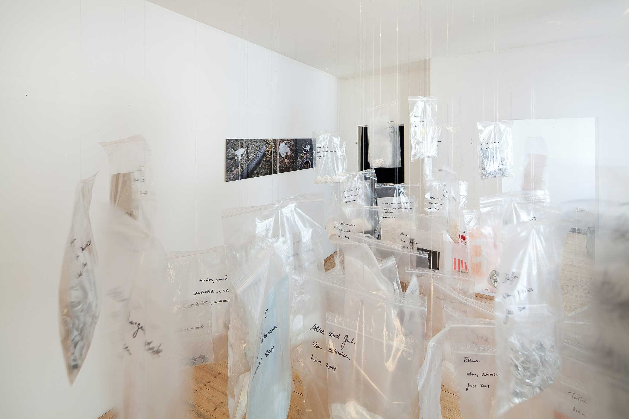 "Ausstellung ""Salon Milchring - Soziale Plastik // Installation"", April 2013 im 365 The Fox House"
